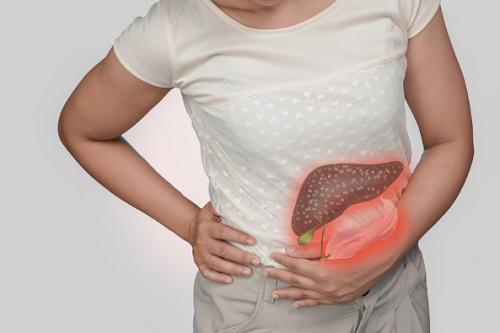Hệ tiêu hóa gặp nhiều vấn đề là biểu hiện của nóng gan