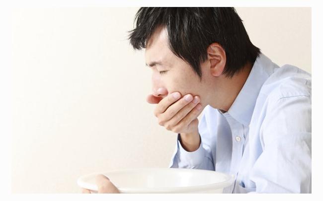 Ăn không tiêu buồn nôn: Nguyên nhân, biểu hiện và cách phòng ngừa