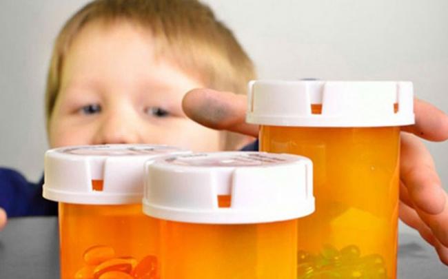 Cảnh báo ngộ độc thuốc ở trẻ nhỏ