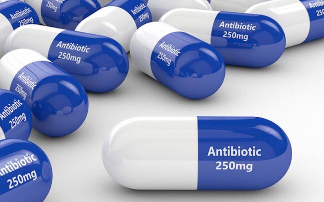 Cảnh báo: Nguy cơ vỡ động mạch chủ nếu lạm dụng kháng sinh fluoroquinolon