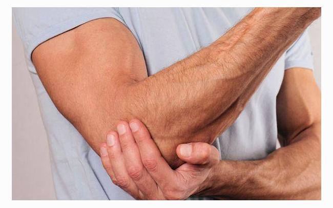 Top 6 nguyên nhân gây đau bả vai lan xuống cánh tay