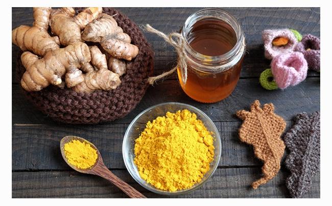Giải đáp: Uống nghệ với mật ong có đẹp da không?