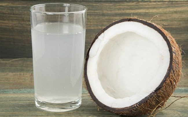 Lợi ích 'thần kỳ' khi uống nước dừa mỗi ngày