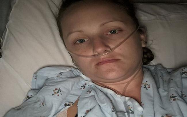 Một phụ nữ bị mắc hội chứng sốc độc vì tampon