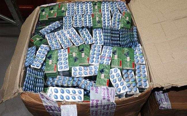 Nguy cơ tiêu thụ phải dược phẩm giả khi mua trên các trang web trực tuyến