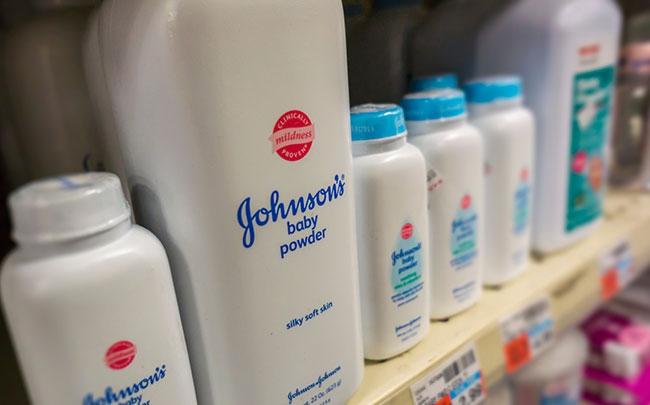 Nhiều bang nước Mỹ bác bỏ phấn của Johnson & Johnson gây ung thư