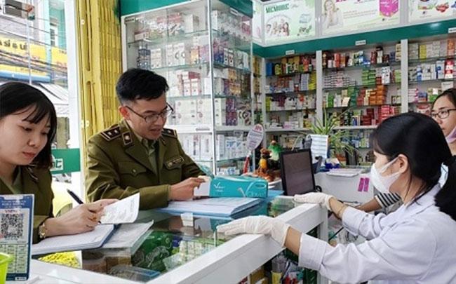 Phòng dịch Covid-19: Xử lý 16 cơ sở kinh doanh thiết bị y tế ngày 27/2