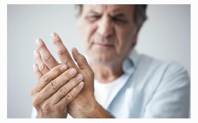 Tê bì chân tay khi ngủ: Nguyên nhân và cách khắc phục
