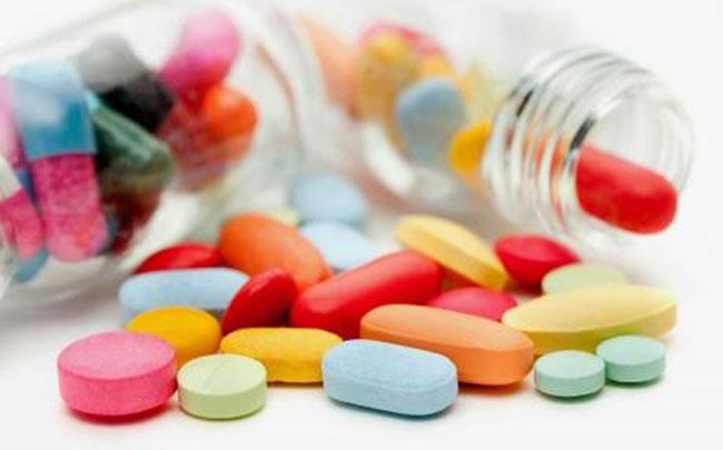 """""""Tuýt còi"""" các công ty dược thổi phồng hiệu quả thuốc điều trị COVID-19"""
