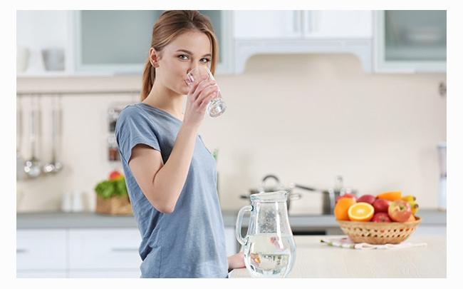 Giải đáp: Uống nhiều nước có tác dụng gì đối với cơ thể?