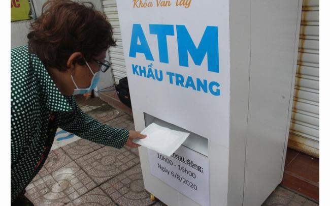 Xuất hiện ATM khẩu trang miễn phí tại TP.HCM...